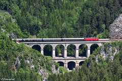 1010 003 am auf dem Krauselklause Viadukt am Semmering (TheKnaeggebrot) Tags: öbb semmering viadukt krauselklause krausel klause club1018 1010003 1010 majestic imperator sonerzug eisenbahn train