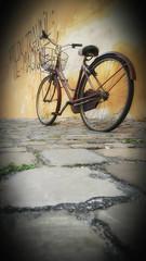 Vie Magique (~Miel) Tags: mobile beginner principiante ortoneffect photoshop fun fotoconcellulare bicicletta bycicle ravenna summer experiment esperimento ricordi estate mobilepicture effettoorton