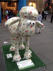Cath Kidston Shaun the Sheep (1) (Phil Masters) Tags: sculpture london shaun cathkidston shaunthesheep 16thapril april2015 cathkidstonsheep cathkidstonshaun cathkidstonshaunthesheep