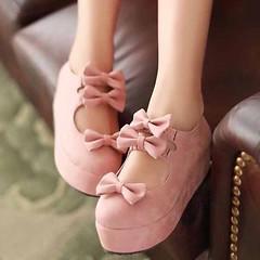 รองเท้าส้นเตารีด แฟชั่นเกาหลีแต่งโบว์น่ารักคิกขุรุ่นใหม่ นำเข้าไซส์34ถึง39 - พรีออเดอร์RB2292 ราคา1300บาท รุ่นใหม่สวยอินเทรนด์ด้วยการเล่นรูปโบว์น่ารักแต่งหลังเท้าน่ารักมาก จะใส่เป็นรองเท้าไปเที่ยว รองเท้าวัยรุ่น พื้นรองเท้ามีรอยหยักแบบรองเท้าแฟชั่นคุณภาพด