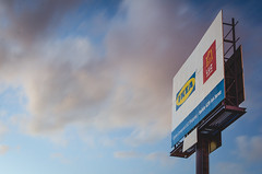 Ads (eLuVeFlickr) Tags: ads advertising publicidad anuncio cartel propaganda cielo sky nubes clouds azul blue colores colors blanco white red rojo jerez luzshopping ikea spain españa andalucia andalusia eluveflickr eluve d7000 nikon 35mm 18