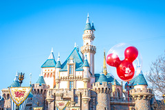 Castle and a Red Balloon (Domtabon) Tags: california castle dl dlr disney disneyland disneylandresort sleepingbeauty sleepingbeautycastle mousewait