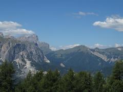 IMG_9407 (Bike and hiker) Tags: santa val alpen roda dolomites moos dolomiti badia croce dolomiten armentara dolomieten gadertal kreuzkofel darmentara alpenwiesen