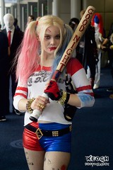 IMG_6378 (Neil Keogh Photography) Tags: blue red white black belt gun boots cosplay top gloves bracelets dccomics pigtails spikes harleyquinn hotpants baseballbat suicidesquad mcmcomicconmanchester2015