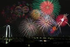 Fireworks Sparkling All Over the Sky - Tokyo Bay Great Fireworks 2015 (Apricot Cafe) Tags: japan night tokyo cityscape fireworks group jp daiba tokyobay rainbowbridge meetupcom shinagawaku tōkyōto canonef70200mmf4lisusm tokyobaygreatfireworks 東京湾大花火祭 img618094