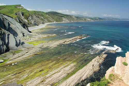 spain-basque-inn-to-inn-camino-del-norte-zumaia-cliffs-c-shutter