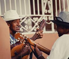 Cuba - Streets of Trinidad (Cyrielle Beaubois) Tags: 2016 cuba cyriellebeaubois dã©cembre trinidad carribeans caraïbes streets portrait cubano cuban décembre musician guitare