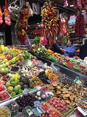 (eleonorasparta) Tags: catalunya mercatdelaboqueria boqueria mercat barcellona mercato sanjose espana spagna vacaciones holidays cibo bancarelle pimiento peperoni peperoncini