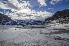 White Covadonga Lakes - Lagos blancos de Covadonga, Asturias (RobertoHerreroT) Tags: