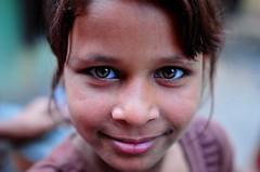 Nepal- Katmandu (venturidonatella) Tags: nepal asia katmandu ritratto portrait volto volti faces persone gentes people occhi eyes nikon nikond300 sguardo look emozioni girl colori colors