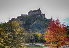 Ecosse - Château d'Edimbourg - Princes Street Gardens (Romain & Claire) Tags: chateau edimbourg ecosse castle edinburgh scotland princes street gardens ross foutain