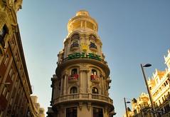 Edificio Grassy (Uno de Melilla) Tags: madrid cariátides diosa cibeles edificio grassy plaza spain españa pwmelilla