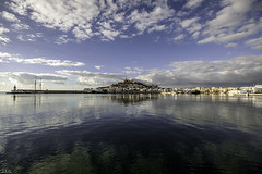 Ibiza  01/01/2017  ( la primera del año ) (ibzsierra) Tags: ibiza eivissa baleares sigma 1020 mar sea mer mare puerto port harbor reflejo reflection nube cloud ciudad city cielo azul blue sky