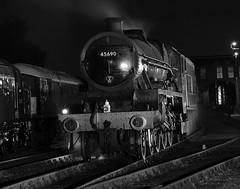 BH 52739bwcr (kgvuk) Tags: barrowhill roundhouse engineshed railways trains steamtrain locomotive steamlocomotive steamengine nightphotography leander 45690 460 5xp jubileeclass