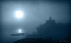 Niebla en Azua 02.- Fog in Azua 02. Nº182 (Yon Ibarrra (+ 1.000.000 VISITAS)) Tags: azua alavaaraba euskadi paisvasco basquecountry españa spain europa paisaje landscape outdoor azul blue monocromatico sol sun cielo sky agua water iglesia church