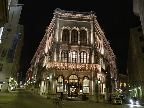 Wien, 1. Bezirk (the art of very renowned nighttime places in the historic core of downtown Vienna), Herrengasse/Strauchgasse (Café Central/Palais Ferstel)