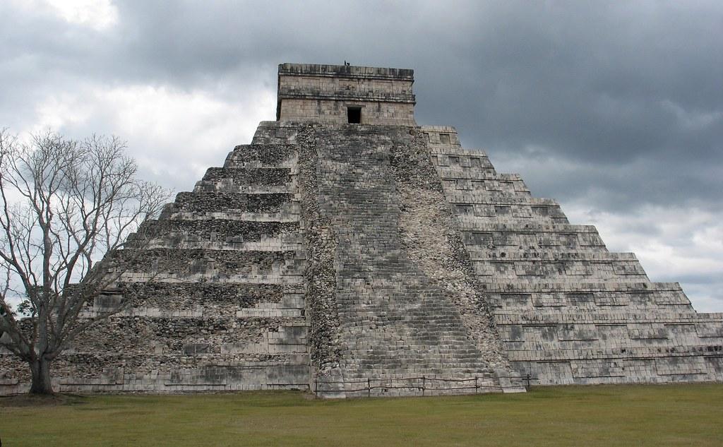Mexico - Maya - El Castillo - Chichen Itza