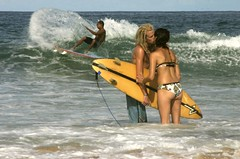 Impervious (iko) Tags: ocean brazil brasil kiss surf bresil screensaver surfer board wave planche itacare 123travel