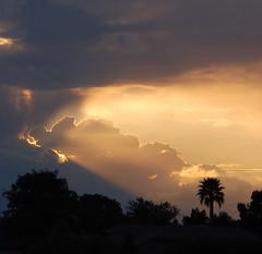"""Let there be light!"" (gwilmore) Tags: sunset arizona cloud wow d50 albaluminis i500 interestingness496 explore19mar2006 fcsetsrises"
