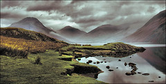. The Wast Bank . (3amfromkyoto) Tags: 2005 park uk november england mist mountain lake mountains reflection english water grass rock clouds wow landscape countryside scenery rocks cloudy district great lakedistrict national cumbria wastwater gable wast wasdale greatgable lingmell yewbarrow specland 3amfromkyoto flickr:user=3amfromkyoto