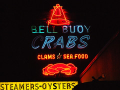 Bell Buoy Crabs (Curtis Gregory Perry) Tags: old light signs classic luz glass sign night oregon vintage licht seaside neon glow northwest bright bell lumire or tube tubes crab 2006 ne retro signage pacificnorthwest seafood oysters glowing crabs dying clams luce muestra buoy important signe sinal neons  zeichen steamers non segno     teken     glowed    neonic