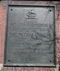 History: Plaque remembering rev. John Robinson (Michiel2005) Tags: usa netherlands geotagged leiden reverend mayflower congregationalchurches pilgrimfathers pieterskerk johnrobinson geolat52157285 geolon4487218