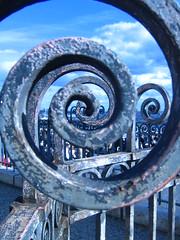 le temps... (Biscarotte) Tags: blue sky blur paris metal wow wonder spiral interesting fantastic superb bleu sacrécoeur ciel flou spirale 100f 95f 1000v 900v 800v 1500v 70f 80f 90f 110f 1800v 1600v 1700v 1200v 1100v 1300v 1400v world100f