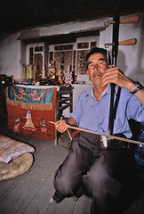 aarhu (2 string) instrument, southern yunnan, china (AsianInsights) Tags: china travel music asia erhu tradition yunnan tribe tonghai malipo arhu miyao romanachapman gettyimagessoutheastasiaq1