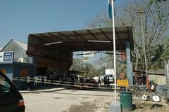 Guatemala customs (Doug Murray (borderfilms)) Tags: 2005 guatemala belize border borderboy borderfilms benqueviejodelcarmenbelize melchordemencosguatemala cdougmurray wwwstockphototipscom wwwroadspillorg