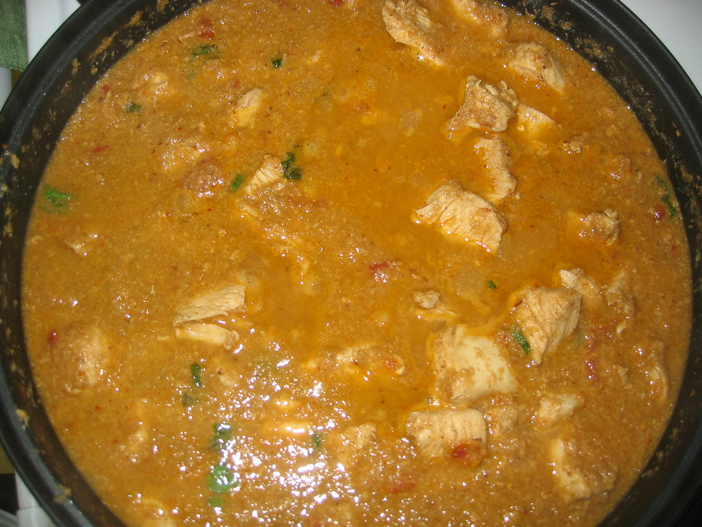 Chicken Anilé (Spicy chicken with coconut and soy sauce)