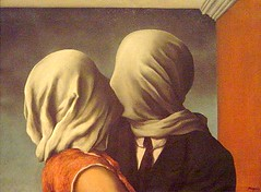 Magritte (pijus) Tags: moma museum art paints newyork ny nyc september exhibition magritte surrealistic lovers people kissing amantes encapuchados beso kiss love
