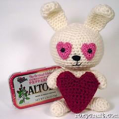 love bunny 3 (Roxycraft) Tags: amigurumi softies plush mos crochet handmade