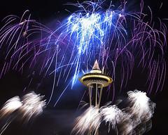Happy New Year (Belltown) Tags: seattle 15fav wow fireworks newyearseve spaceneedle explore01jan06 i500 interestingness278 excellenceinfireworkspyrotechnics