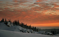 Sunset from Hafjell (Marcus Ramberg) Tags: winter sunset red sky snow colors norway tag3 taggedout clouds tag2 tag1 scandinavia deleteit saveit saveit2 deleteit2 saveit3 saveit4 saveit5 saveit6 saveit7 saveit8 savedfromthedmusunscapegroup saveit9forsocidesc saveit10forkatmere
