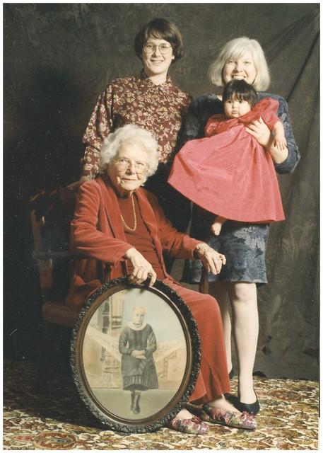 5 generations of women