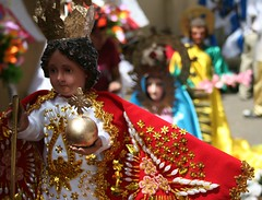 banay (Farl) Tags: family colors festival catholic fiesta gutentag mary philippines religion jesus culture statues stjoseph images celebration virgin cebu cart tradition mardigras virginmary sinulog stonino holyfamily carroza childjesus sinulog2006 cebusugbo