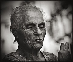 Old Lady in Catania, Sicily (DARK) (daskar) Tags: woman sicily catania krushbob daskar henkjanwesselink