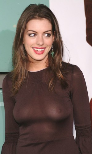 Anne · Hathaway · Brokeback · Mountain · Nipples · Golden · Globe · '06