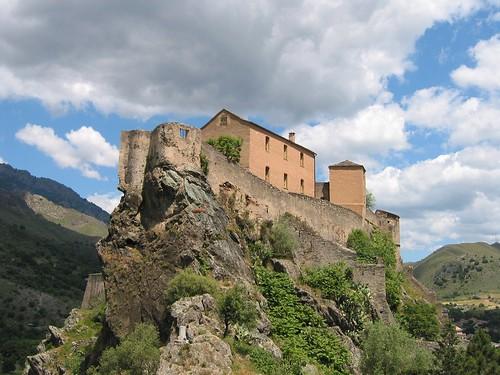 מצודה בקורסיקה, השפעה איטלקית ניכרת