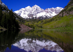Maroon Bells (StevenLPierce) Tags: snow mountains reflection bells rockies colorado maroon aspen maroonlake cotcbestof2006 diamondclassphotographer flickrdiamond