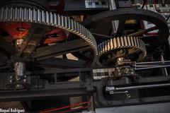 MUMI (Asturias) (Dinacast) Tags: rojo asturias mina rueda mumi mquina engranaje museominero