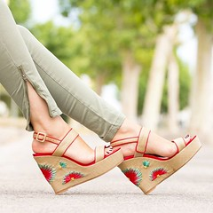 Unas de mis sandalias favoritas de los looks de este mes, son 💟💟💟 One of my favourite sandals from this month's outfits, they are pure love. 👉 www.withorwithoutshoes.com 👈 #withorwi (WOWS_) Tags: beauty fashion moda blogger belleza bloguera influencer fashionblogger instagram
