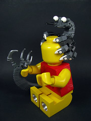 Struggling with Night Terrors (Karf Oohlu) Tags: lego horror moc nightterrors torchminifig