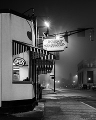 """Powers Hamburgers, 10:38PM"" (D A Baker) Tags: powers hamburgers sliders stand restaurant vintage old classic fort wayne indiana onions fuji fujifilm x100s long exposure fog foggy night daniel baker da"