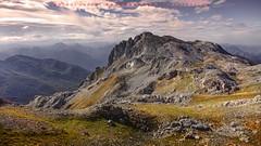 """Bajando de los Moledizos (2.295 m.). Parque Nacional de Picos de Europa // Lowering of the Moledizos (2,295 m.). Picos de Europa National Park (ANDROS images) Tags: andros images photos fotos fotoandros """"androsphoto"""" """"fotoandros"""" lugares places """"sitiosespeciales"""" """"franciscodomínguez"""" interesante naturaleza """"naturalezaviva"""" """"amoralanaturaleza"""" """"imágenesdenuestromundo"""" """"sólotenemosunatierra"""" """"planetatierra"""" """"amarlatierra"""" """"cuidemoslatierra"""" luz color tonos """"portierrasespañolas"""" """"nuestro """"unahermosatierra"""" """"reflejosdeluz"""" pasión viviendo """"pasiónporlafotografía"""" miradas fotografías """"atravésdelobjetivo"""" """"elmundoenimágenes"""" pictures androsphoto photoandrosplaces placesspecialsites interesting differentnaturelivingnature loveofnature imagesofourworld weonlyhaveoneearthplanetearth foracleanworldlovetheearth carefortheearth light colortones onspanishterritoryourworld abeautifulearth lightreflection """"living passionforphotographylooks photographs throughthelens theworldinpicturesnikon """"nikon7000"""" grupodemontañairis androsimages franciscodomínguezrodriguez picos moledizos picosdeeuropa parquenacionaldepicosdeeuropa"""