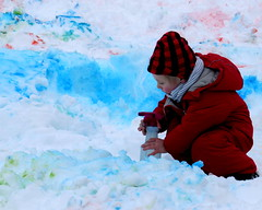 Artist at Work (diffuse) Tags: 117 childish spray pigment snow snowpainting fun exciting
