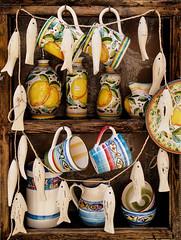 Little shop in Monterosso (andreadellabona.ph) Tags: wood italy canon ceramic liguria lg pot g3 monterosso canon600d canont3i lgg3