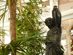 Saln central de El Capricho (Kirkas Thti) Tags: espaa spain europa europe gaud neoclassicism cantabria comillas neoclasicismo elcaprichodegaud salncentral esculturaneoclasicista