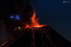 Volcanic Lightning - Colima Volcano, México (Christian Villicaña (Fotografía)) Tags: colima volcandecolima colimavolcano lightning volcanic mexico volcan erupción eruption volcano