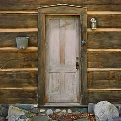 knock, knock (B. jeweled) Tags: loghome shelter bjeweled wow explore011917
